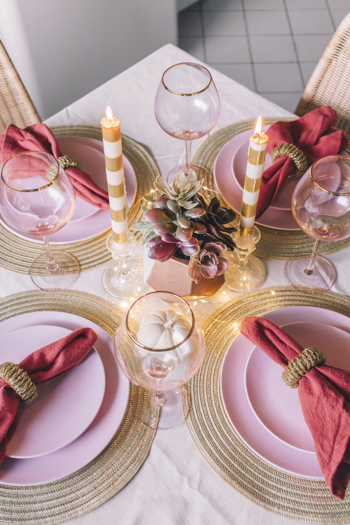 A Thanksgiving Tablescape, friendsgiving table, thanksgiving decor // wanderabode.com
