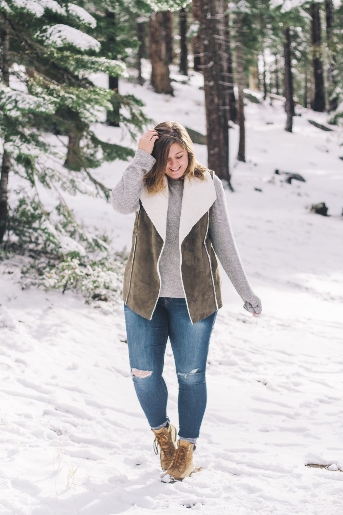 Winter Wonderland, snow day outfit // www.wanderabode.com