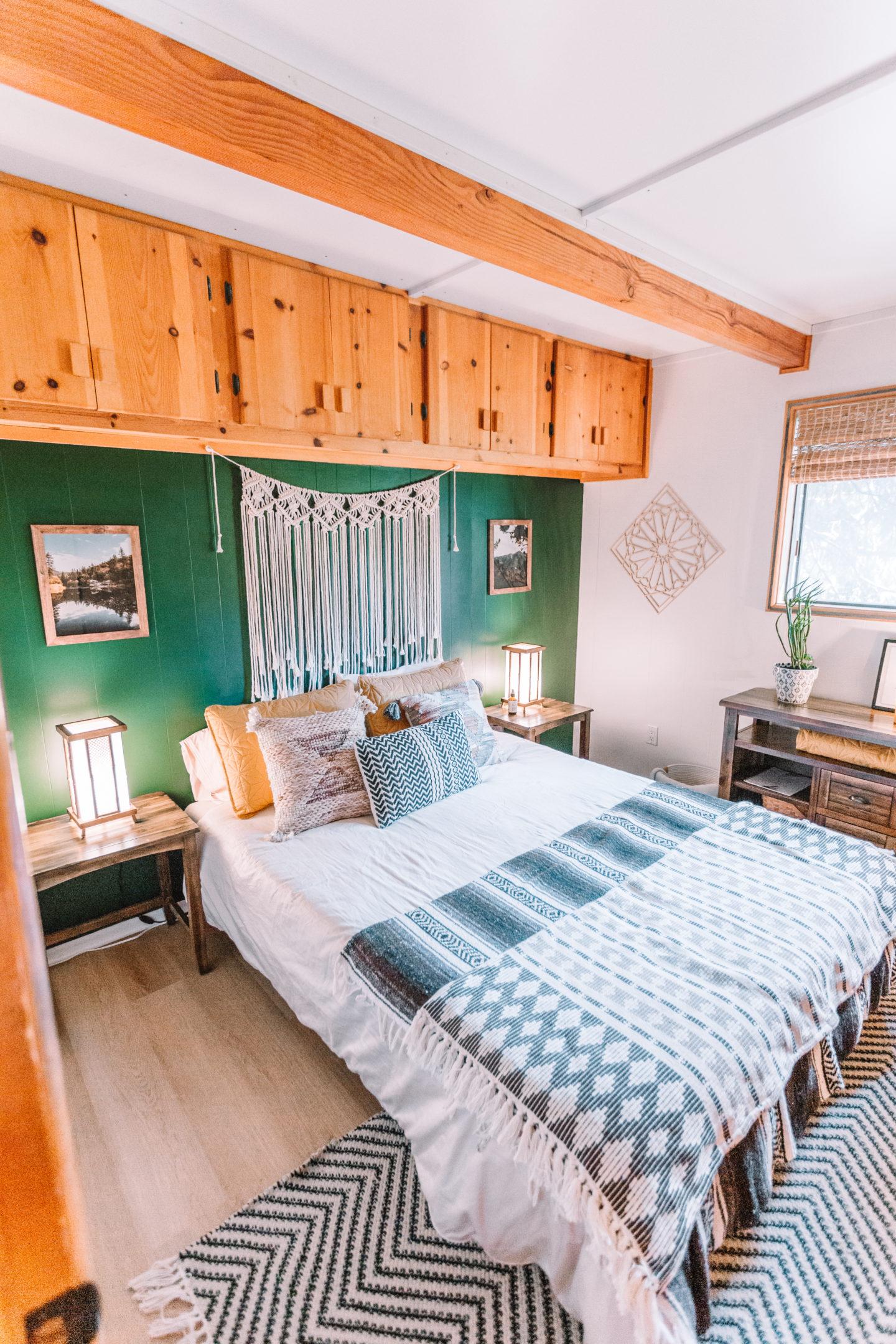 Whiskey Creek Cabin - Idyllwild Airbnb // wanderabode.com